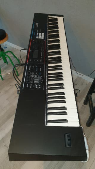 sintetizador, piano Roland Juno DS 88