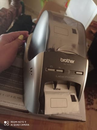 Máquina impresora de pegatinas