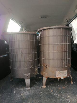 se venden dos estufas de hierro fundido marcaThor