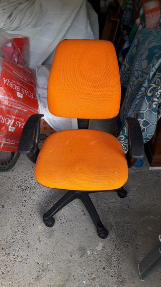 silla de ruedas para escritorio