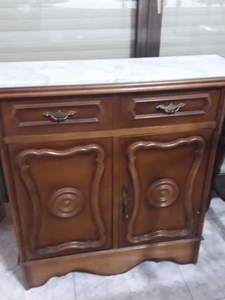 mueble recibidor antiguo con mármol en la parte de