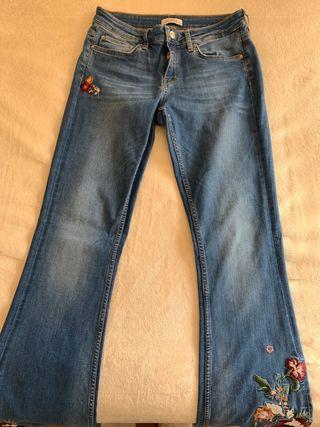 pantalones campana de zara