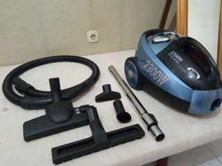 Aspiradora sin bolsa AEG 2300w
