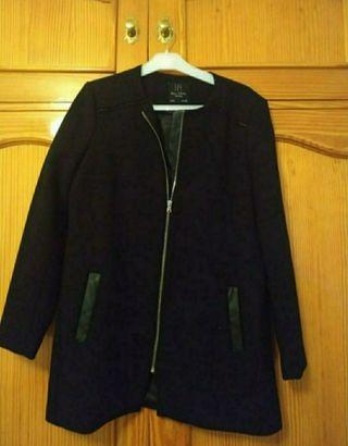 Abrigo negro mujer