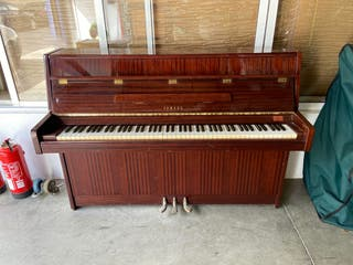 Piano Yamaha model C