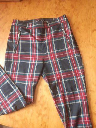 pantalon largo de cuadros , zara