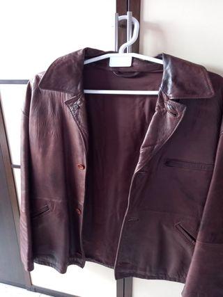 chaqueta de cuero marrón