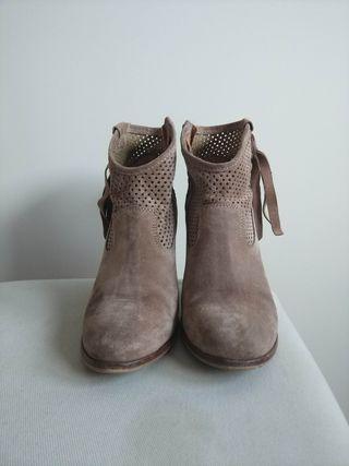 botas tacón marca Alpe