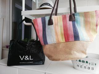 Lote bolsos playa Victorio y Lucchino
