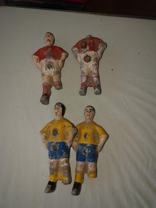 Antiguas figuras de futbolín del Cadiz lesionados
