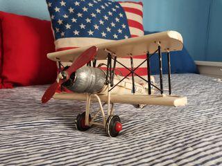 avión maqueta metal