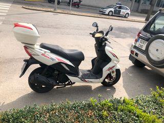 Moto 125 cc. Riya Matrix. Matrícula KDB.
