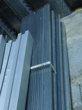 Rastrel teja metalico