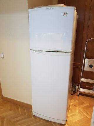 Frigorífico LG con congelador