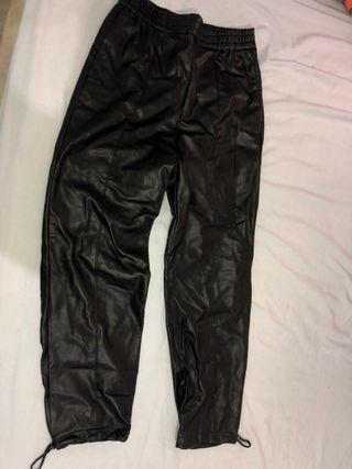 Pantalón de cuero Zara