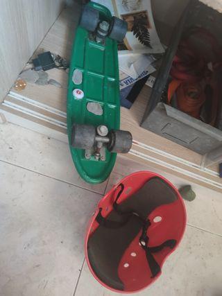 Patinete Skate y casco antiguo