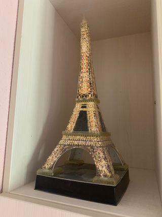Puzzle de la Torre Eiffel en 3D.