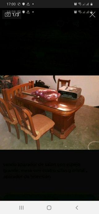 aparador con cristal y mesa