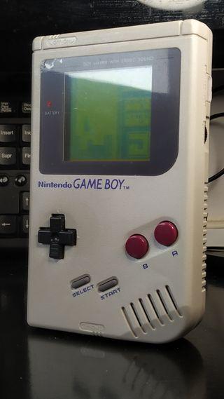 Gameboy clásica + juego tetris