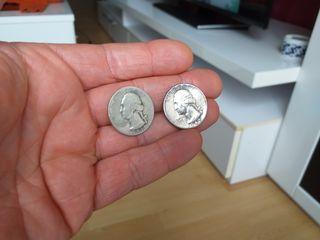 Dos monedas de plata.