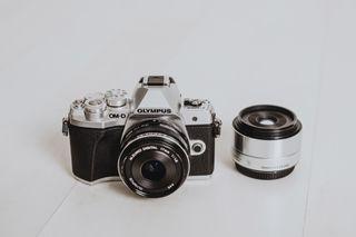 KIT Olympus OM-D E-M10MarkIII + 2objetivos 17/35mm