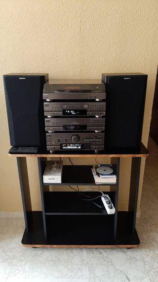 Tocadiscos Sony, equipo de sonido. Funciona bien.