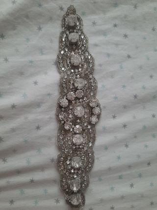 Detalle para bordar en vestido de fiesta o novia