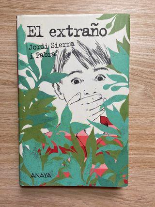 Libro literatura infantil juvenil El extraño