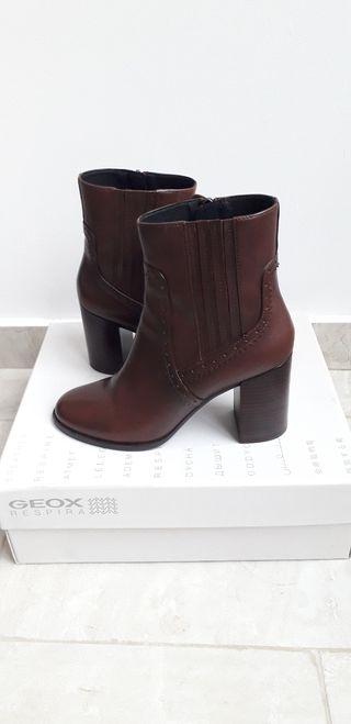 Zapatos. GEOX. Talla 38