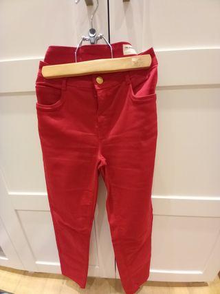 Pantalon Rojo de zara ,talla40