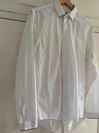 Camisa blanca L Con bordes azul marino