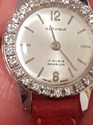 Reloj de oro blanco con Diamantes.
