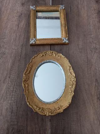 Dos espejos ,medidas 25x25 ,20x18