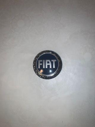 Insignia FIAT delantero