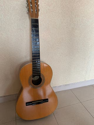 Guitarra Española + funda fabricada en España