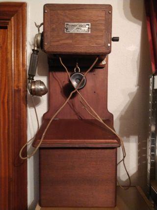 ANTIGUO TELEFONO DE PARED