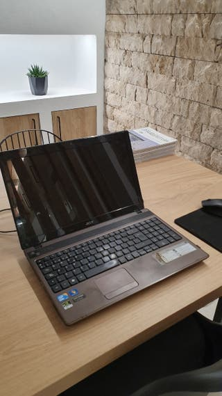 Portatil Acer 5742 G, i5, 6gb RAM, disco duro SSD
