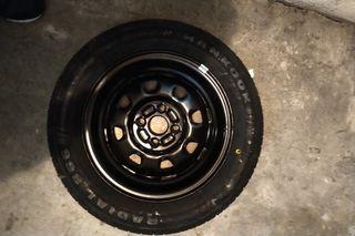 Llanta con neumático Hankook Radial