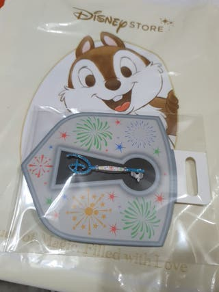 pin llave disney