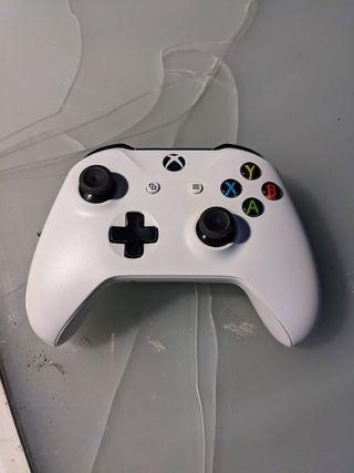 Mandos Xbox One S