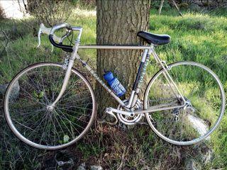 bicicleta de carretera Torrot.
