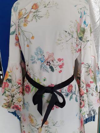 Vestido italiano t. M-L asedado floral