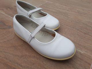 Zapatos de niña. Número 34
