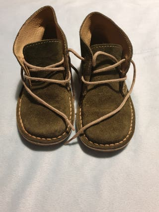 botas niño. talla 26
