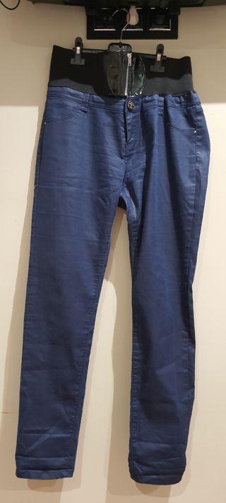 pantalón stradivarius. talla 44