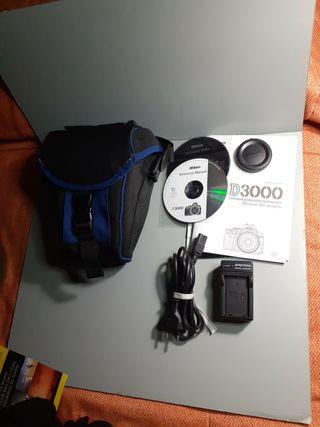 Funda camara reflex +.Cargador para Nikon D3000