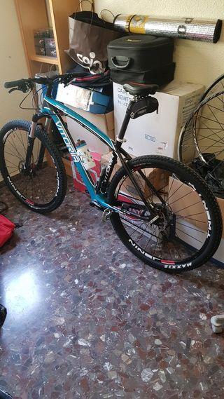 """bici 29 """" en carbono talla L"""