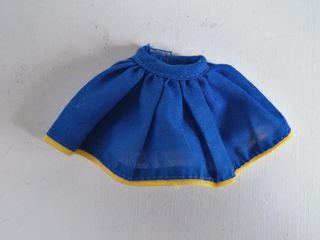 Barbie falda azul vuelo años 90
