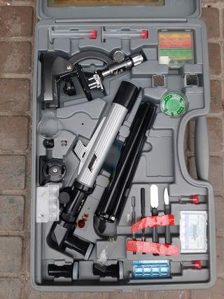 Caja con Telescopio,microoscopio y pruebras