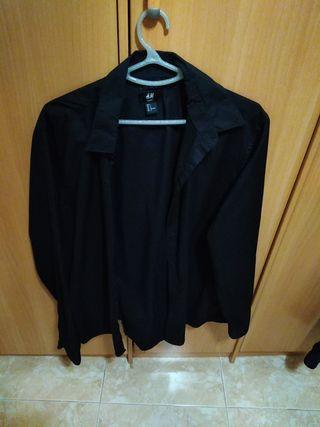 camisa negra camarero